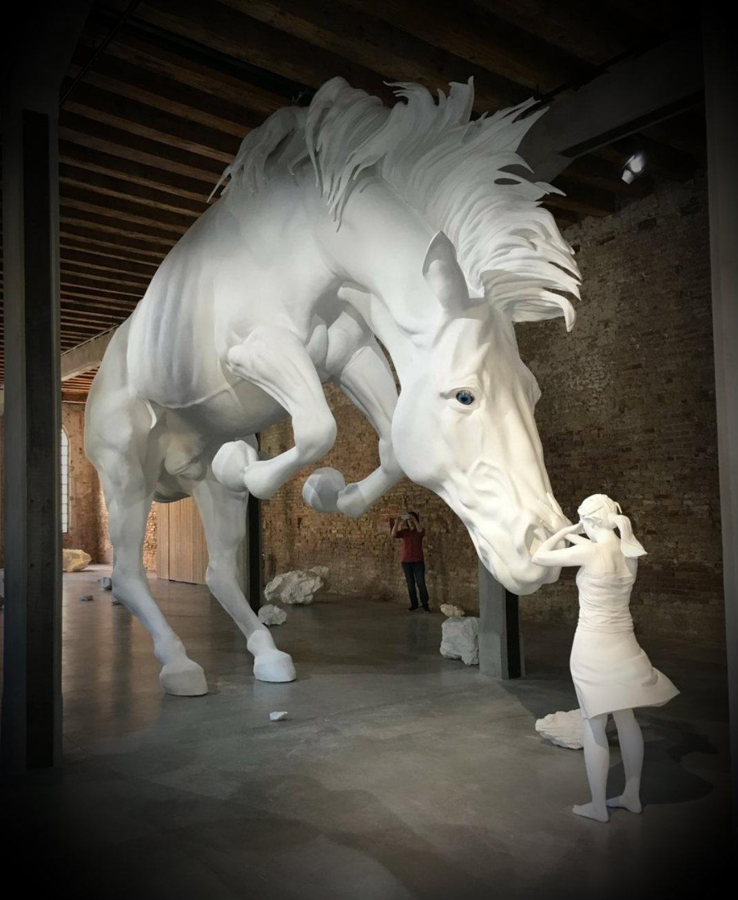 venedik bienali - the horse problem - claudia fontes