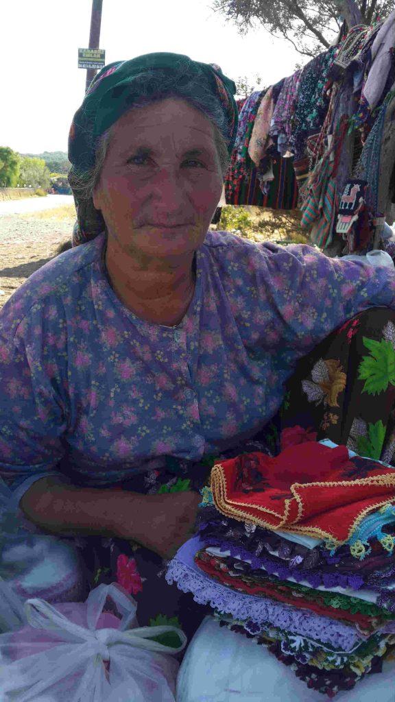 Assos Kadırga Koyu Yörük Köylüleri alışveriş